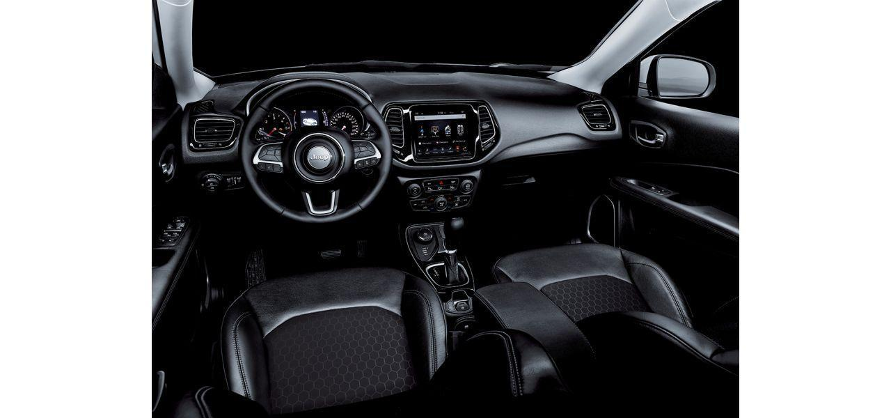 Jeep Compass sedili interni